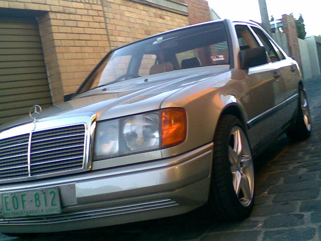 autosleek 1988 mercedes benz 300 e power seat and window problems. Black Bedroom Furniture Sets. Home Design Ideas