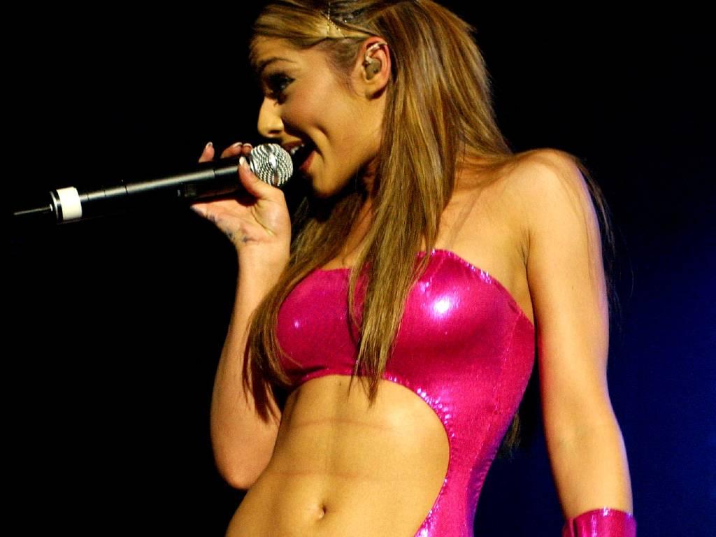 http://1.bp.blogspot.com/-bwVpxJ0mpGQ/TqykbqqmKBI/AAAAAAAAAgQ/PF0bxCFmfHY/s1600/top+8+sexiest+woman+alive+2011+9.jpg