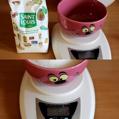 Deuxième étape pour la confiture de melon: peser le sucre