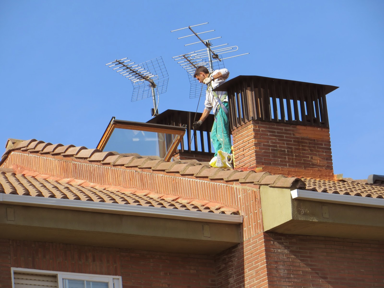 Reformas villasol el deshollinador c mo limpiar una - Productos para limpiar chimeneas ...