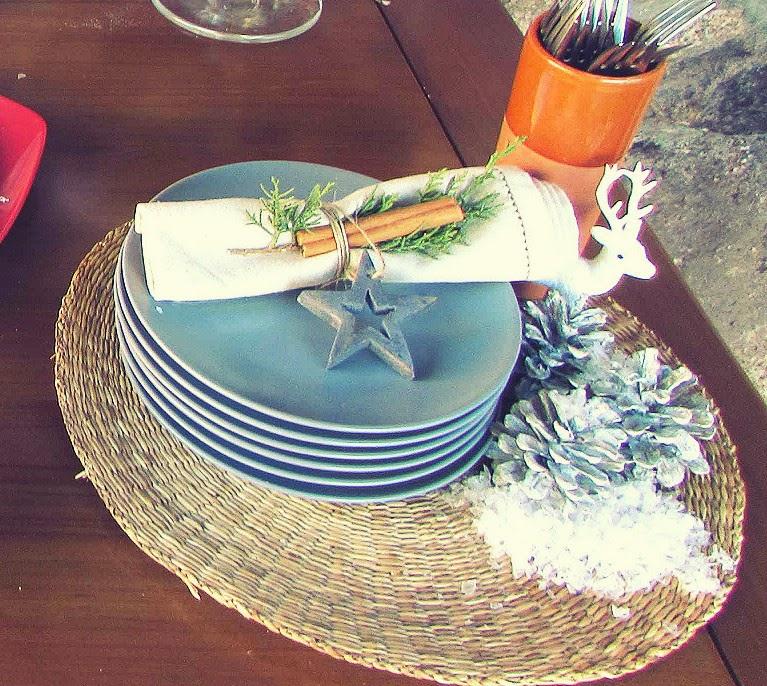 Mesa buffet navide a mi silla azul - Bajo plato ikea ...