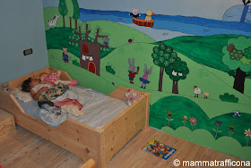 Mammatrafficona lettino montessoriano in cirmolo - Ikea letto montessori ...