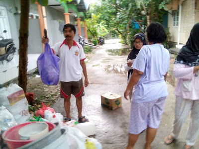 http://www.kampunggemilang.co.vu/2015/06/bank-sampah-bag-bagi-duit.html