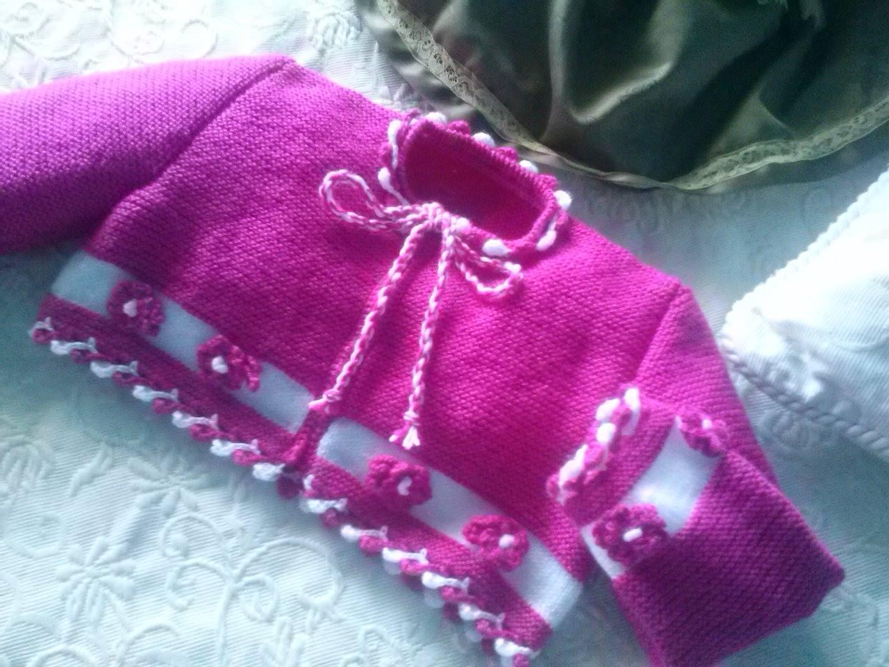 Labores oca chaqueta en lana en dos tonos con remate a for Remates a ganchillo