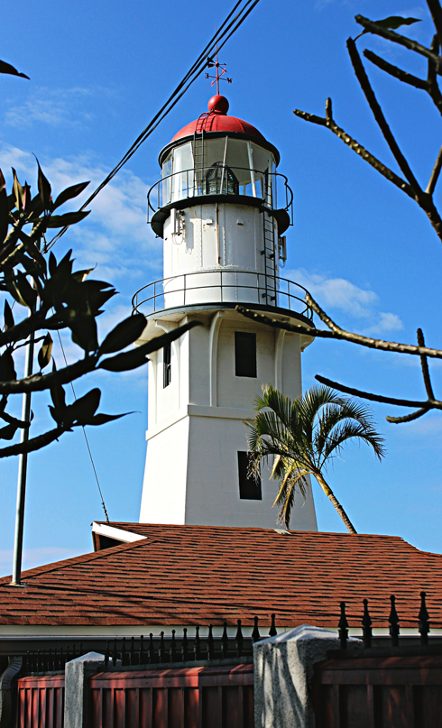 diamond head lighthouse oahu hawaii