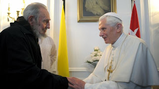 ¿Qué hace un Papa?, le pregunta Fidel a Benedicto XVI