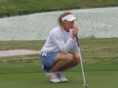 Kate lining up a putt