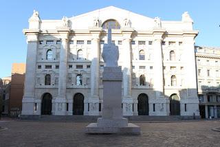 Piazza Affari a Milano, la Borsa Italiana