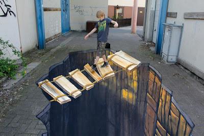 3d art - 3d illusion artist nikolaj - 3d chalk painting