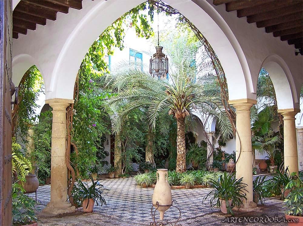 La chim re un weekend cordoue - Azulejos patio andaluz ...