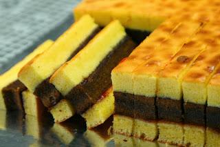 Bahan-bahan membuat Roti Lapis Surabaya :