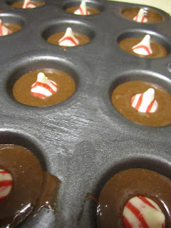 CIY: Candy Cane Kiss Brownie Bites