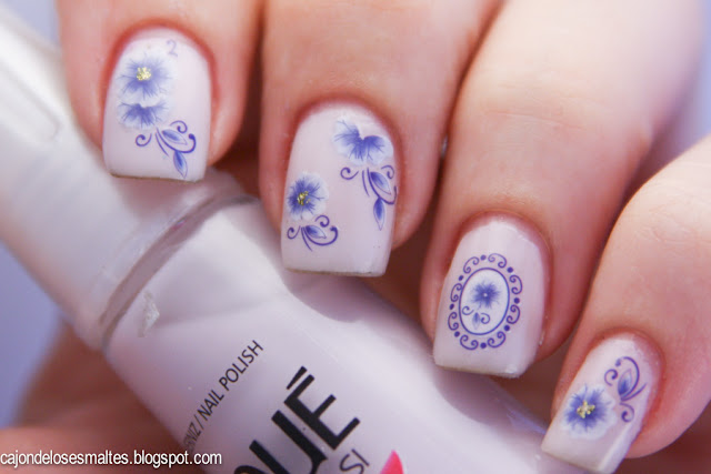 Risque Ninfa con water decals porcelana flores