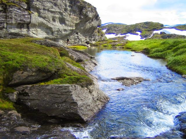 Trolltunga hike (The Troll's Tongue - photo Trolltunga Adventures)