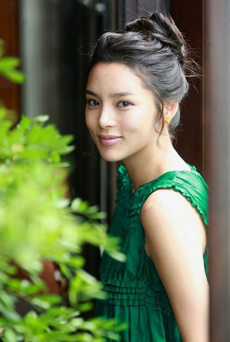 Korean Artists: Park Si-yeon Profile