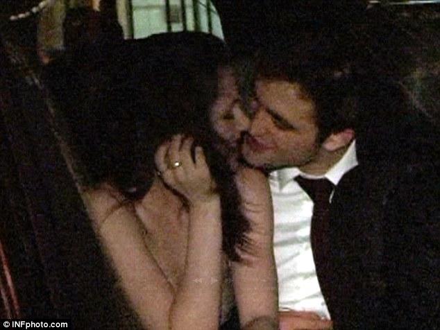 robert pattinson twilight kiss. Twilight#39;s Robert Pattinson