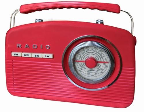 Переносной радио приемник Camry CR 1130 (FM MW SW LW) красный в классическом винтажном дизайне с отличным качеством звучания