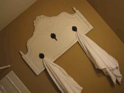 Cindy morgan creative ways to hang bathroom towels - How to display towels in bathroom ...