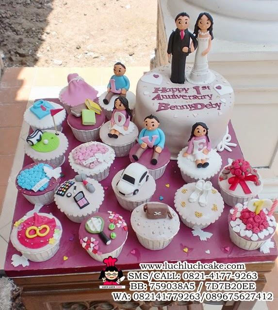 Cupcake dan Kue Tart Anniversary Romantis Cantik