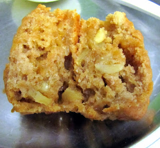 Marmalade muffins with almonds