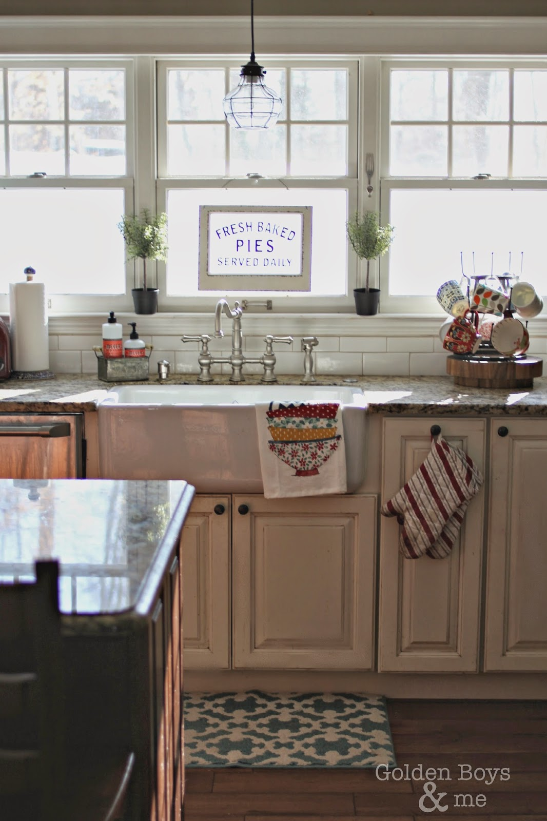 DIY kitchen with farm sink-www.goldenboysandme.com