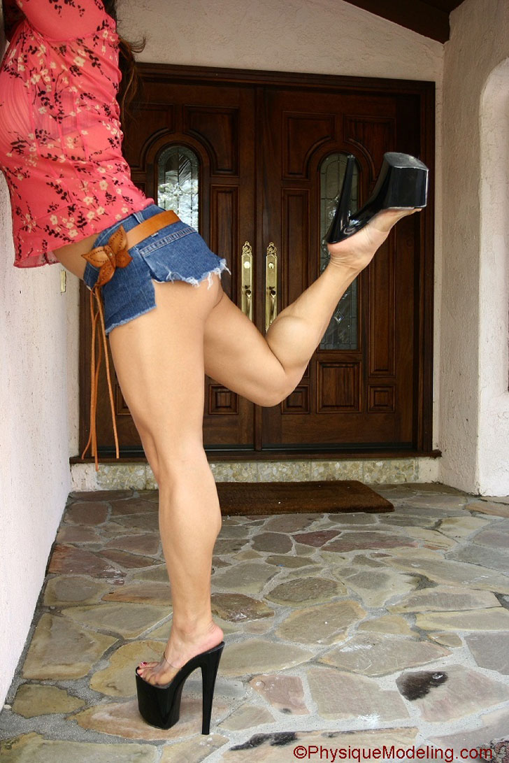 Cookie Flexing Her Awesome Calves In High Heels