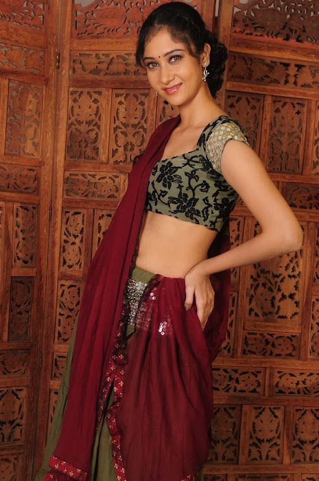 sindhu affan without saree in spicy shoot latest photos