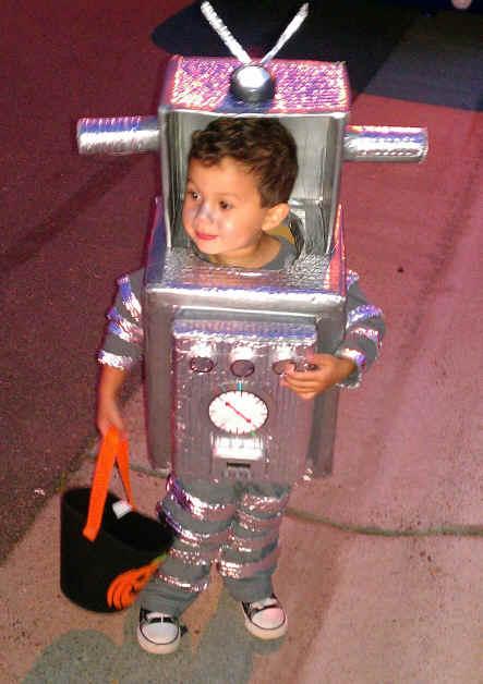 robot costume 1