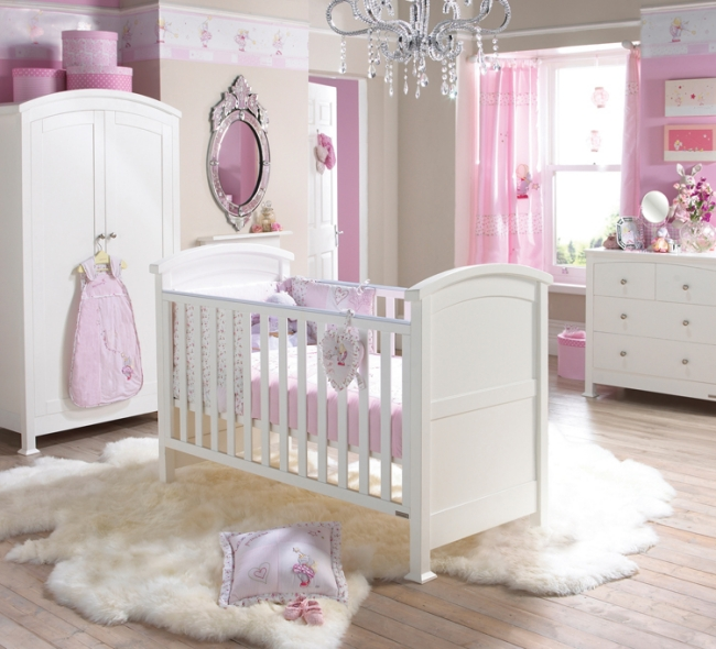 Dormitorio blanco y rosa para beb dormitorios con estilo - Cortinas dormitorio bebe ...