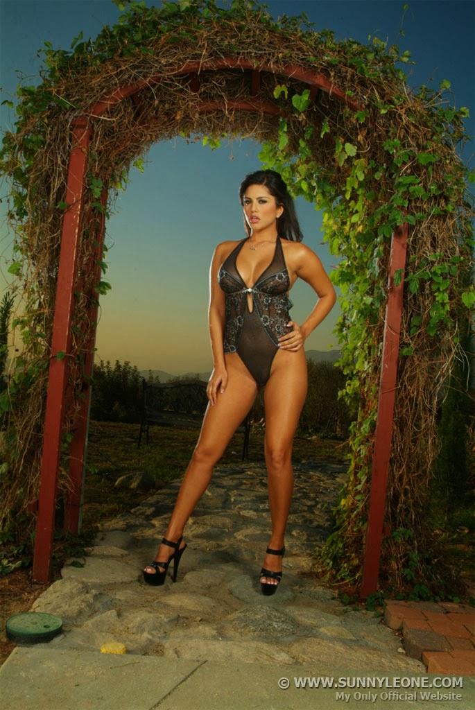 Sunny Leone Homemade Sex Tape  XVIDEOSCOM