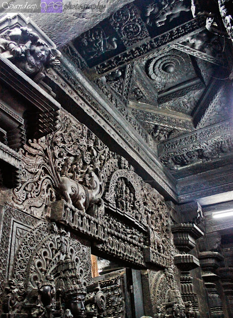 The amazing view from the side of the garbhagriha doorway, here you can see the whole structure is so beautifully carved not leaving behind any piece of stone plain
