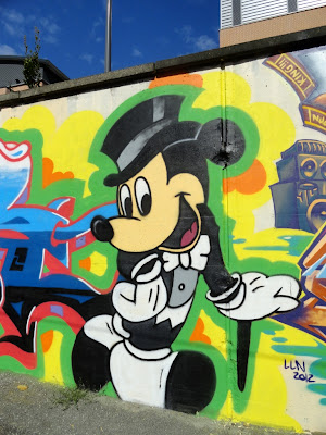 graffiti mickey