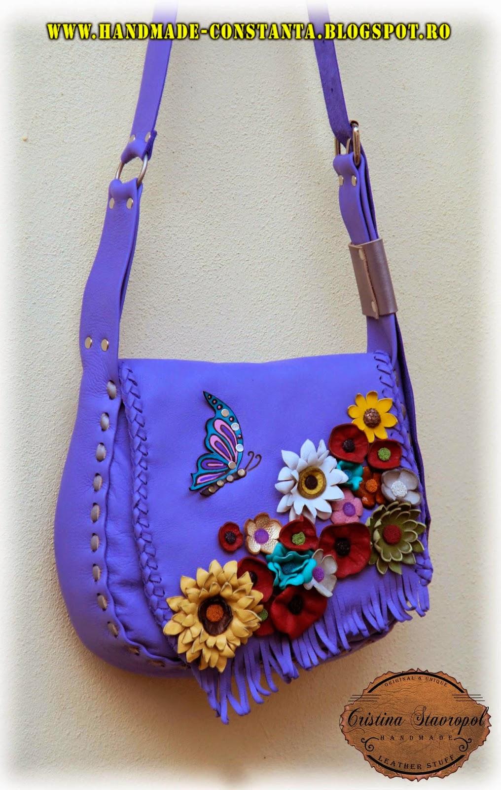 geanta mov din piele cu flori si fluturi