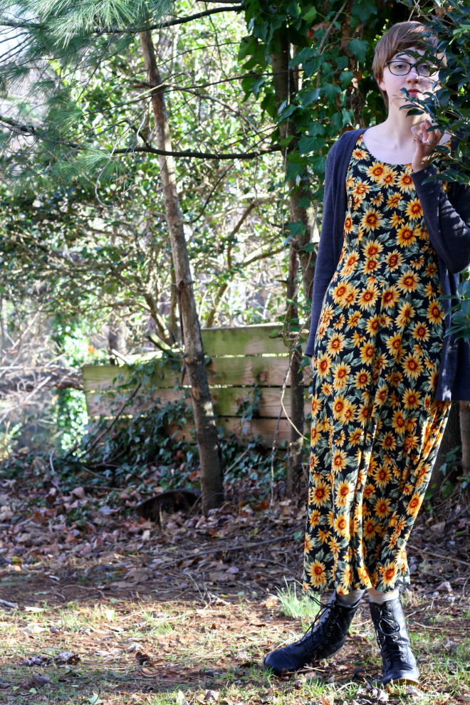 ethical and fair trade outfit idea with sunflower dress on stylewiseblog.blogspot.com