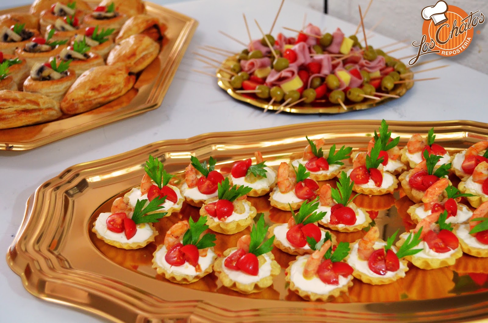 Los chatos mesa de postres el acompa ante perfecto for Mesa salada para cumple