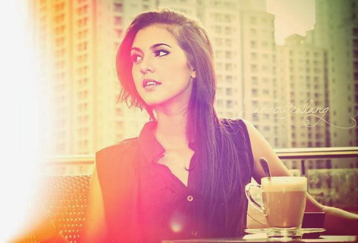 Profil dan Foto Caroline Elodie
