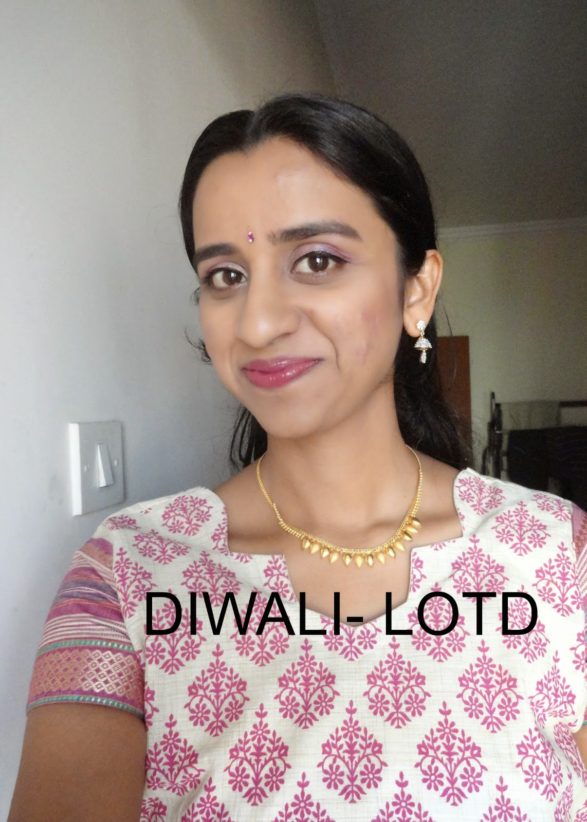 LOTD: My makeup and outfit for Diwali 2014 image