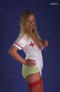 性感的成人图片 - rs-tcp-nurse-016-714885.jpg