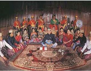 Mandar Dalam Perspektif Kesejarahan, Budaya Mandar Lama, Tradisi Suku Mandar, Sejarah Mandar