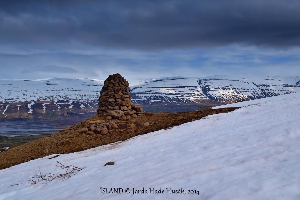 Nad Eyjafjörðurem