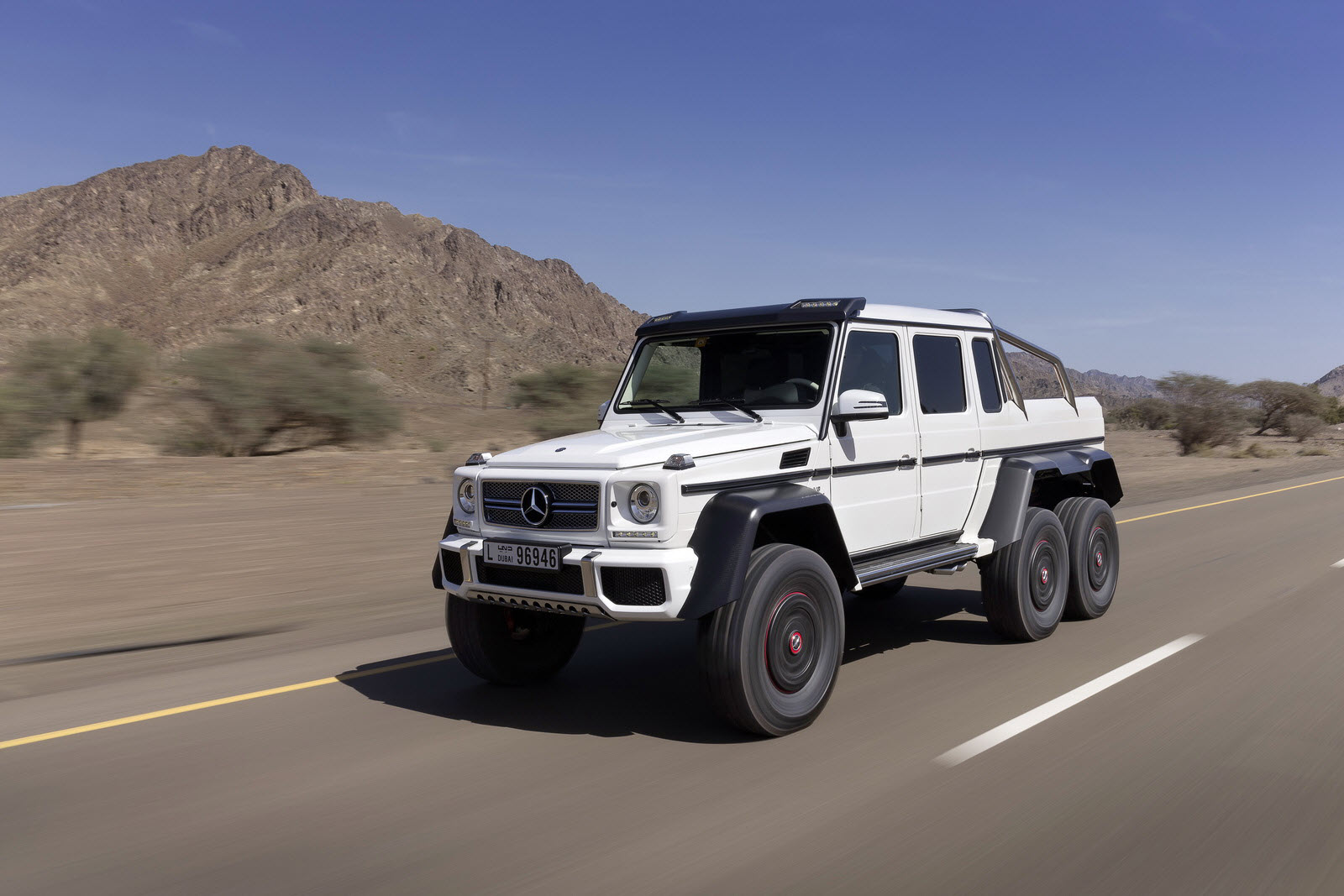 Mercedes benz g 63 amg 6x6 taking the desert by storm for Mercedes benz g 63