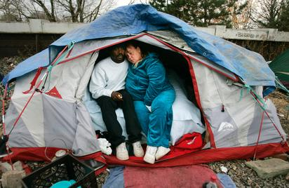 Early Leadership Theory Relating to Tents-R-Us Case Study