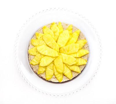 Presna ananasova tortica - raw ananas cake - pina colada cake