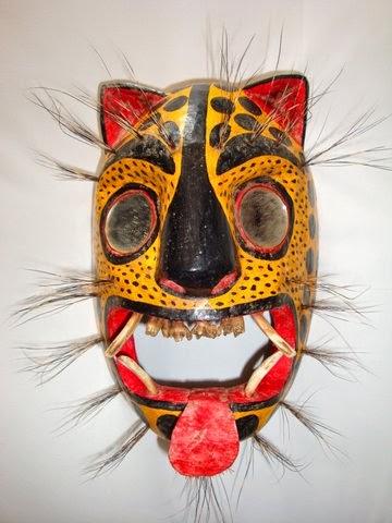 La estampa la máscara alrededor de los ojos