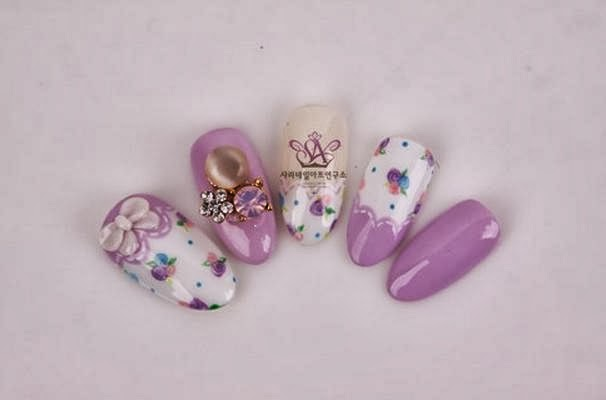 Floral Nail Art During Autumn Season in Korea, Korean Flower nail art
