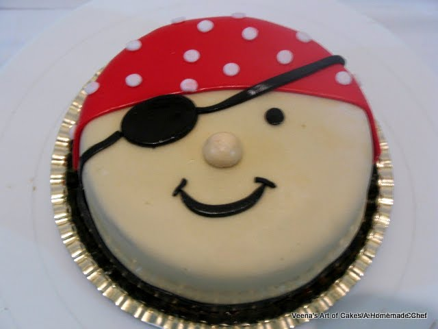 Easy to Make Pirate Cakes http://veenaartofcakes.blogspot.com/2012/03/pirate-face-cake.html