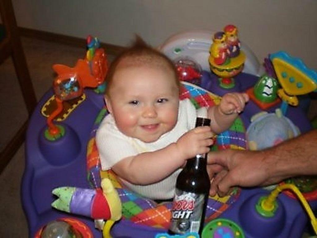 Foto lucu bayi mabuk editan download gratis
