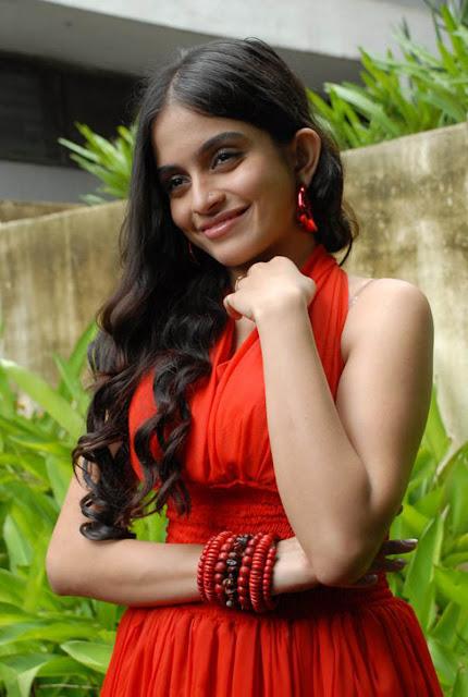 http://1.bp.blogspot.com/-c12hOUaays4/Tlc8DjKZsWI/AAAAAAAAQI8/1tpS5zbXmgc/s1600/Sheena-latest-hot-stills-05.jpg
