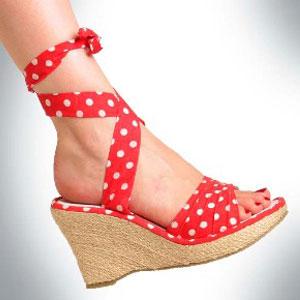 gambar sepatu wanita terbaru