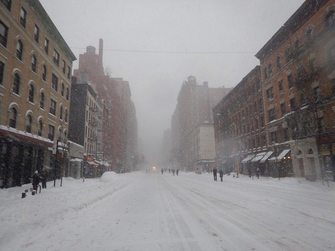 Li, a NYC and Scottish lifestyle blogger talks about the snow and blizzard in NYC, January 2016. © Lianne Whitelaw